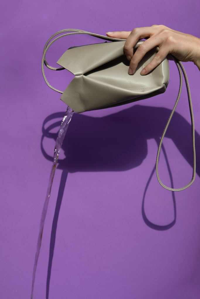 eva blut, water, campagner, versatile bags, vienna fashion designer, design studio branding, phtotography, atelier nova