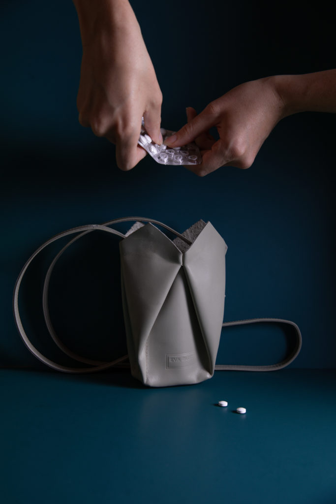 eva blut, pills, campagne, versatile bags, vienna fashion designer, design studio branding, phtotography, atelier nova